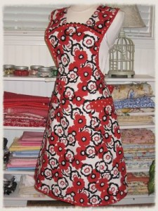 Black and White 1940's Vintage Style Apron1