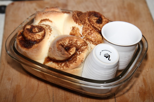 cinnabon eat your heart out, home made cinnamon rolls that are equally awesome!