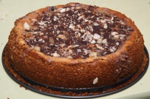 Caramel-chocolate-nuts cheesecake, photo by LdV