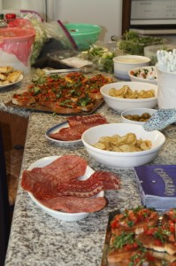look at those appetizers again, I'm getting hungry already!!! (photo by LdV)