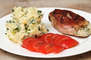 potato salad, chicken and tomato, photo by LdV