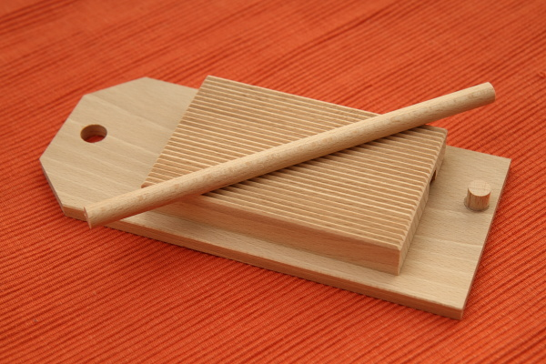ribbed pasta rolling board