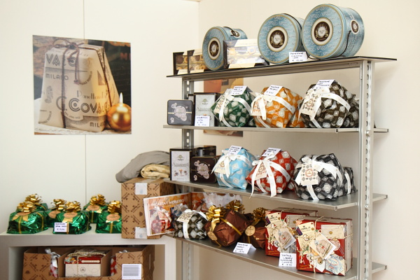Traditional Milanese panettone and pandoro at Taste of Milano